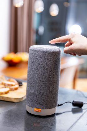 Der Smart Speaker L800HX von Gigaset.