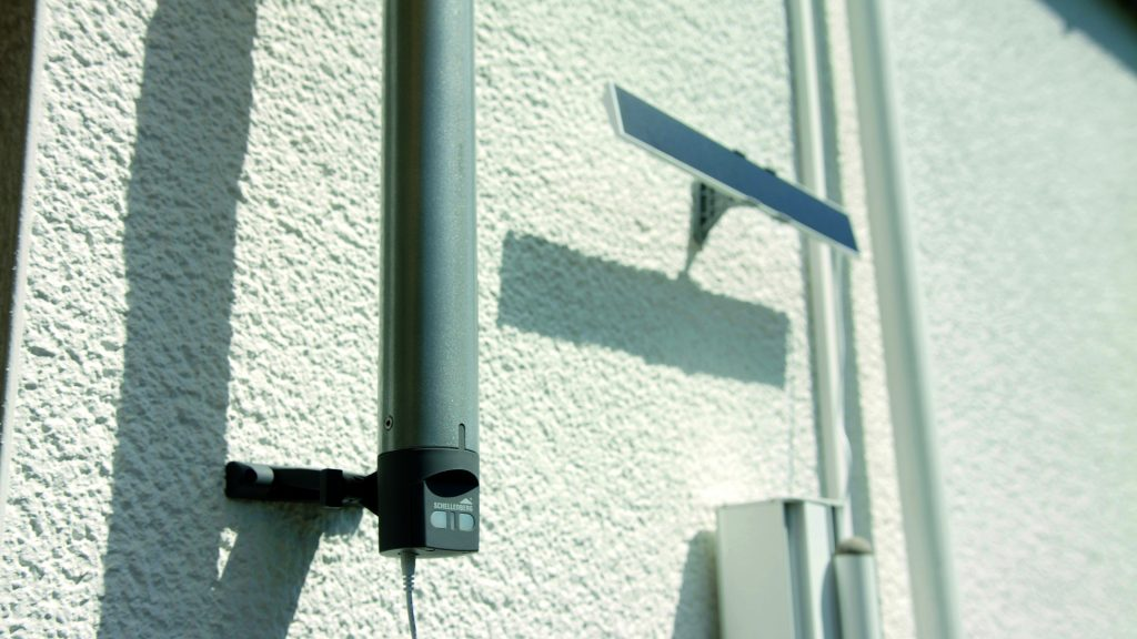 Schellenberg MarkiDrive Premium mit Solarpanel