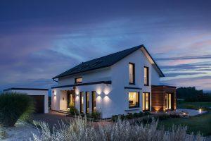 Rensch Haus Außenansicht nachts