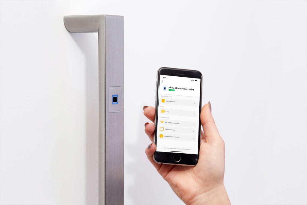 Smartphone und smarte Haustüre